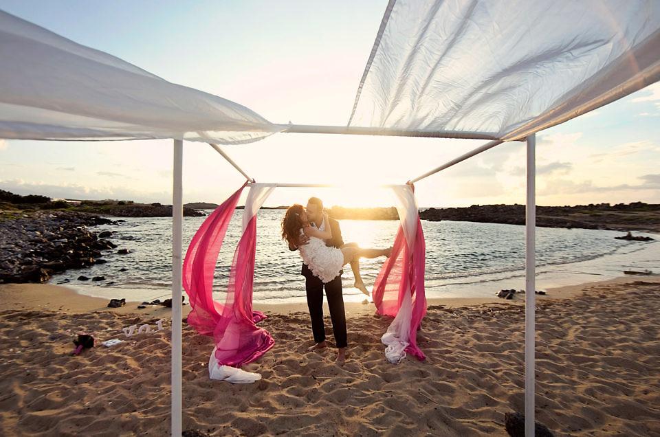 Ślub naplaży – poradnik ślubny